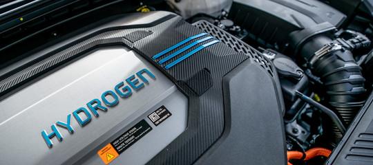 Bosch spiega: il futuro delle auto sarà ad idrogeno