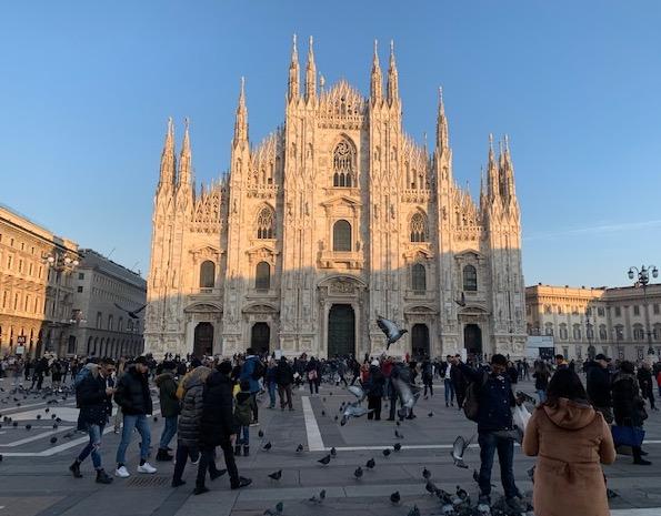 """Milano: nuovo piano per qualità dell'aria. No """"fumo"""" a fermate Tram e Bus"""