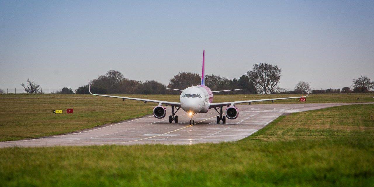 WIZZ AIR, invito al volo per Natale su aerei ultra ecologici