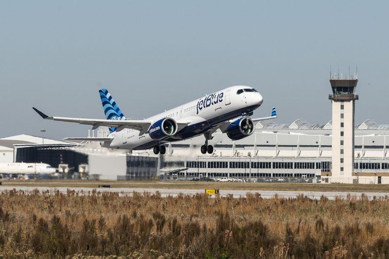 JetBlue, primo decollo per Airbus A220