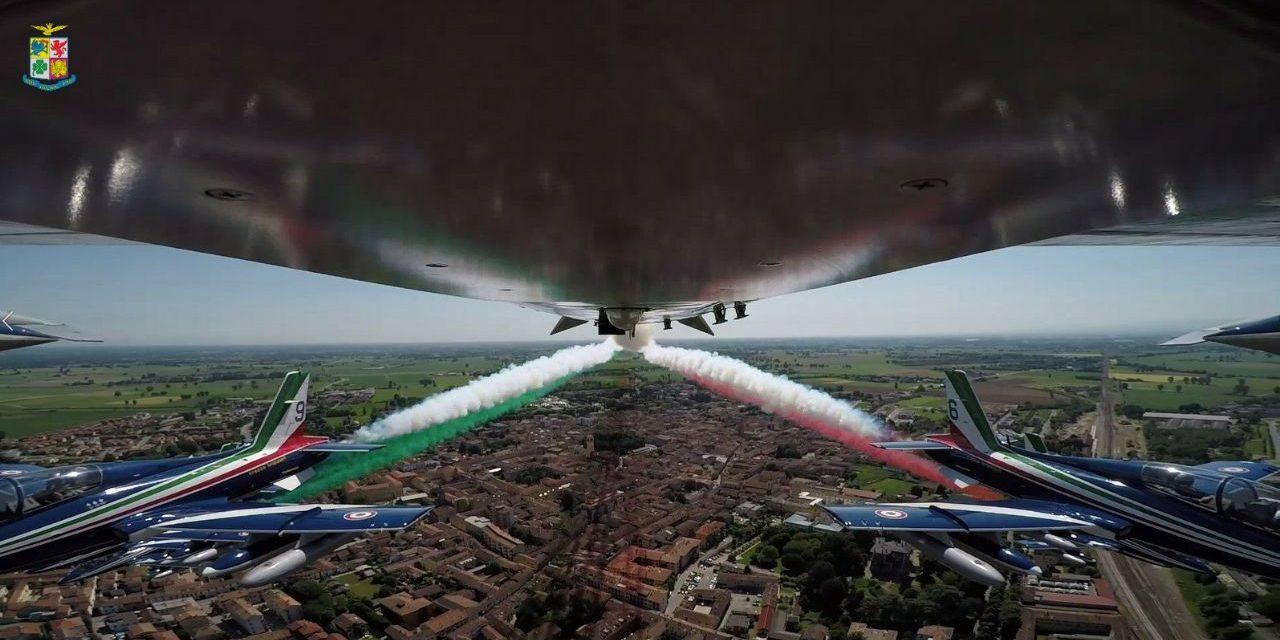 Aeronautica Militare, l'Abbraccio Tricolore che stringe l'Italia