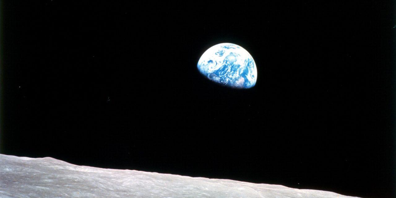 """Spazio, 52 anni fa Apollo 8 annunciava al mondo: """"Babbo Natale esiste"""""""