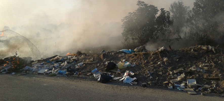 Terra dei fuochi, roghi rifiuti in diminuzione