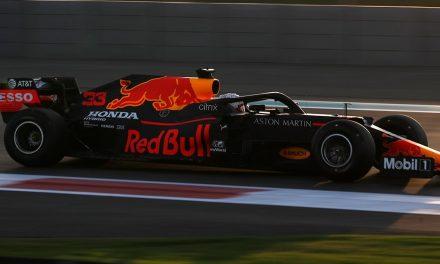 F1, Abu Dhabi, pole Verstappen. Ferrari male