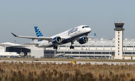Obiettivo Aviazione sostenibile. JetBlue, primo Airbus A220 con motori Pratt & Whitney GTF