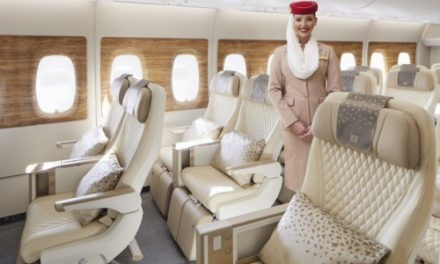 """Emirates, con il suo nuovo Airbus A380 a Londra in """"Premium Economy"""""""
