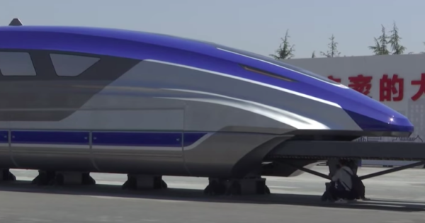 Cina, progetto treno superveloce a 620 chilometri orari