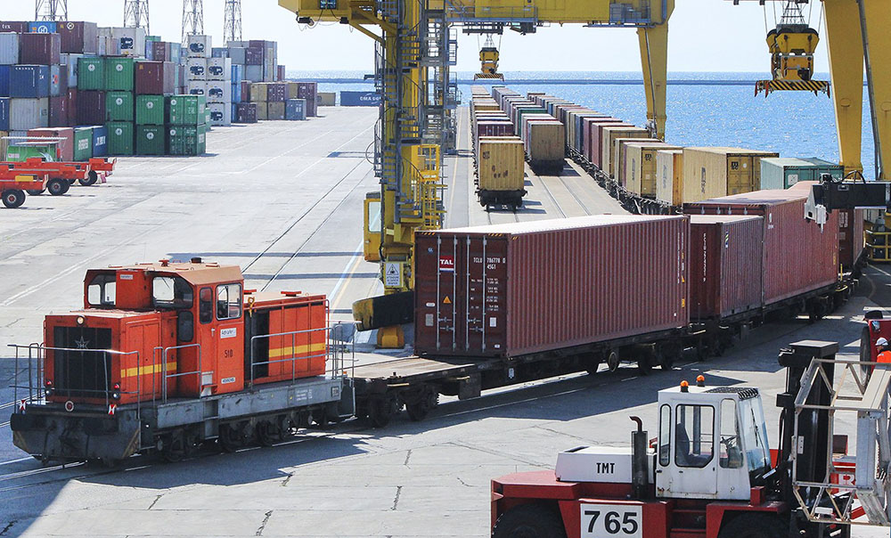 Porti, Container: errori di carico e scarico bruciano $ 6mld anno