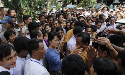 Golpe in Birmania: l'Italia chiede di liberare gli ostaggi