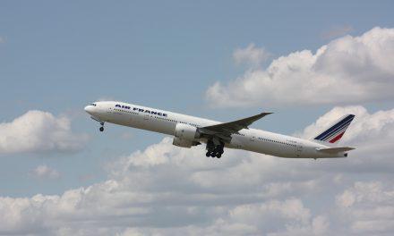 AIR FRANCE-KLM perde 1mld nel IV trimestre 2020