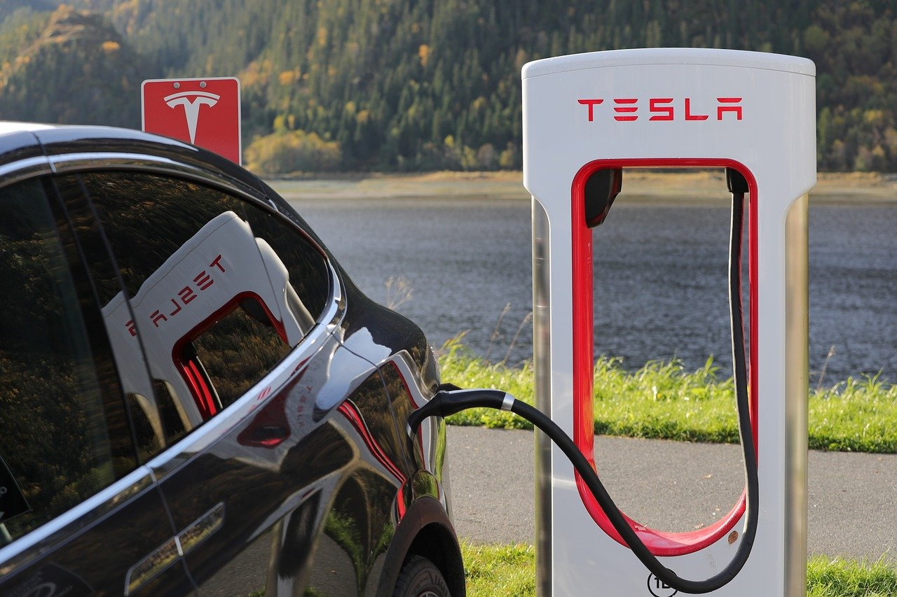 Tesla Caricatore