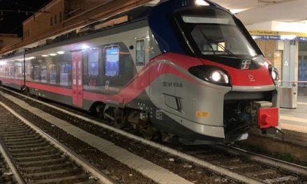 """Trenitalia, tra Reggio e Cosenza tempi ridotti di 30′ nei giorni lavorativi con 4 nuovi treni """"regionali veloci"""