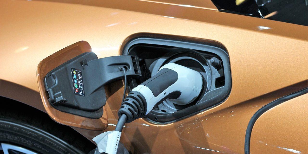 Auto elettriche, benefici e vantaggi nelle città