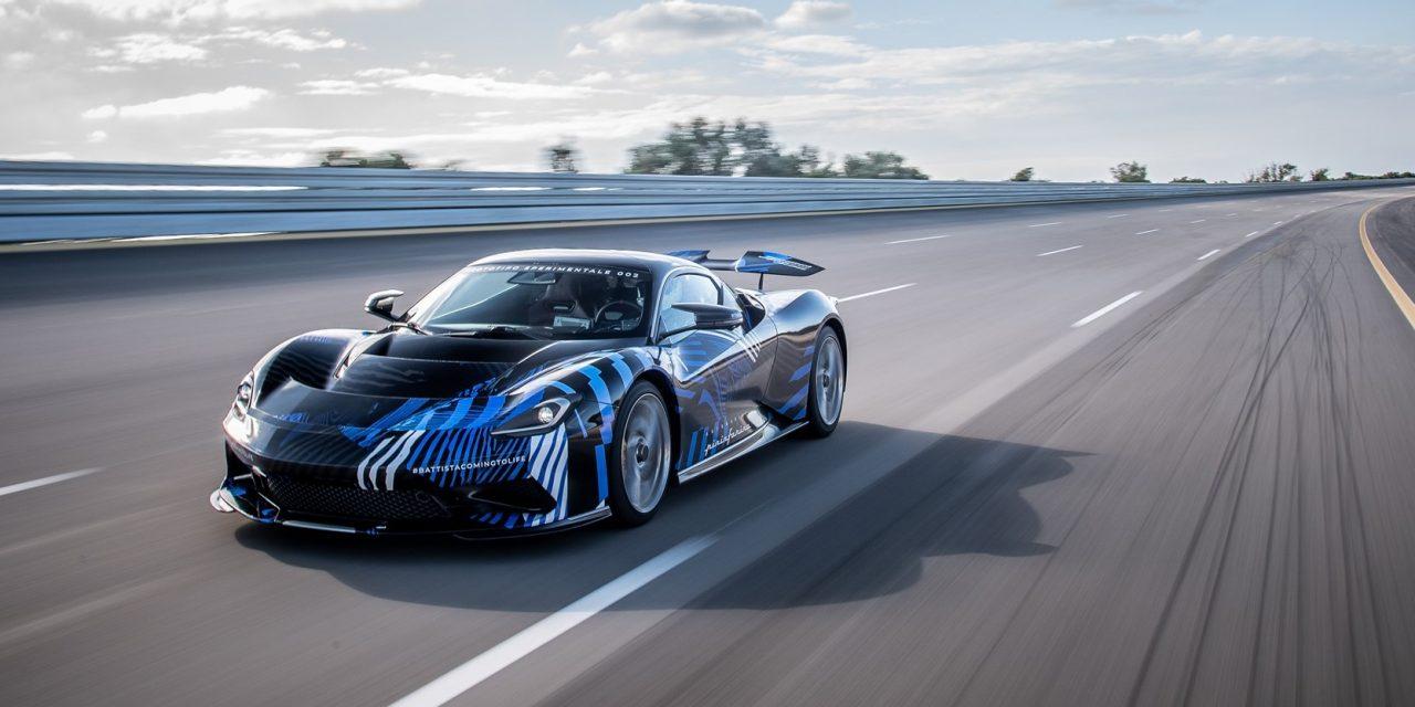 Automobili Pininfarina, la nuova Battista gira a Torino