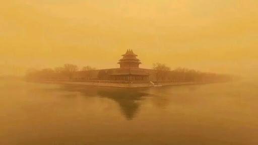 Cina: tempesta di sabbia, cancellati 400 voli