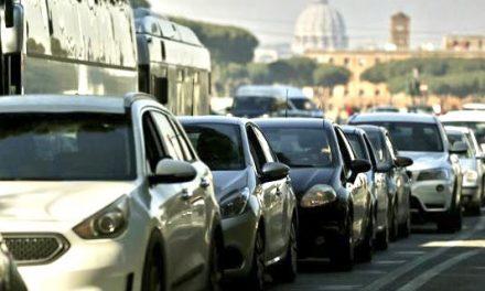 Traffico, secondo studio Inrix Roma città più congestionata d'Italia