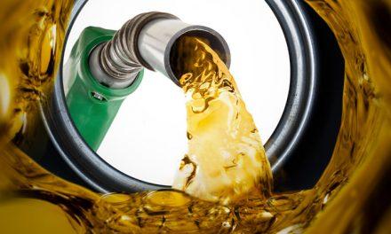 Assoutenti su benzina: stangata da 266 euro a famiglia