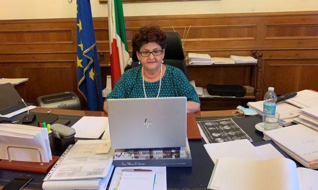 La viceministra Bellanova a Taranto per inaugurare due opere al porto