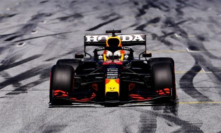 F1, GP Stiria: vince Verstappen. Ferrari: Sainz 6°, Leclerc 7°