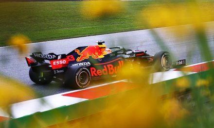 F1, GP Stiria: pole per Verstappen. Ferrari: Leclerc 7°, Sainz 12°