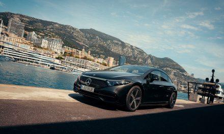 Mercedes, continua trasformazione sostenibile con EQS