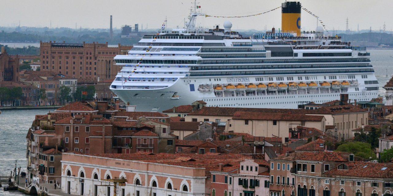 Venezia, Draghi stoppa le crociere ma sui rimborsi possibili battaglie legali